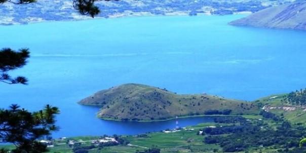 Info terkait dengan tempat wisata di Danau Toba