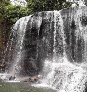 Tempat Wisata kota Medan yang bernama Air Terjun Pantai Salak