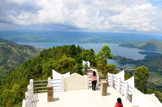 Uraian tentang Menara Padang Tele yang ada di Samosir Danau Toba